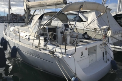 Beneteau Oceanis 34 for sale in France for €69,000 (£59,839)