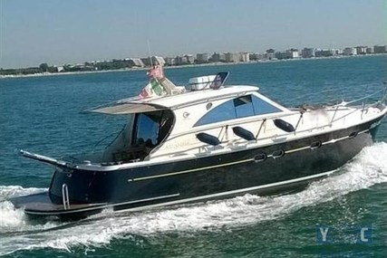Cantieri Estensi 440 Goldstar for sale in Italy for €255,000 (£218,130)