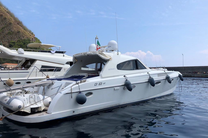 Rizzardi 63 HT for sale in Italy for €599,000 (£522,651)
