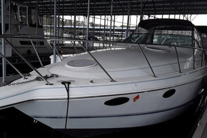 Chris-Craft 302 Crowne for sale in United States of America for $25,900 (£19,558)