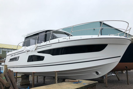Jeanneau Merry Fisher 1095 - 2x Yamaha F300 - New 2019 for sale in United Kingdom for £185,000