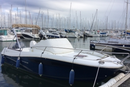 Jeanneau Cap Camarat 7.5 WA for sale in France for €38,000 (£33,287)