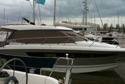 Jeanneau NC 11 for sale in France for €210,000 (£183,952)