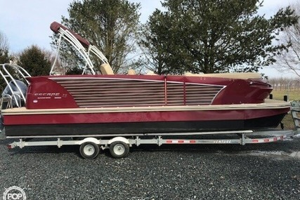 Larson Escape 25 Salt Water Series for sale in United States of America for $62,200 (£47,572)
