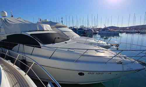 Image of Azimut Yachts 50 Fly for sale in Croatia for €289,000 (£248,133) Croatia