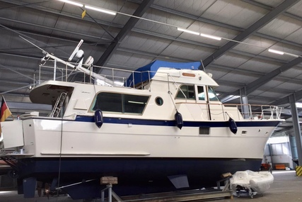 Hatteras 48 Long Range Cruiser for sale in Germany for €199,000 (£169,810)