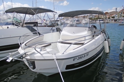 Beneteau Flyer 7.7 Spacedeck for sale in Spain for €64,000 (£54,761)