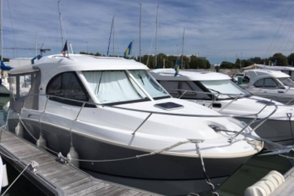 Beneteau Antares 8 for sale in France for €79,000 (£68,240)