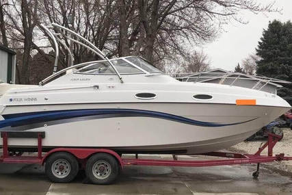 Four Winns 258 Vista Cruiser for sale in United States of America for $21,500 (£16,476)