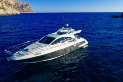Azimut Yachts 43 S for sale in Spain for €235,000 (£201,021)