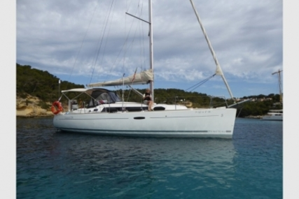 Beneteau Oceanis 34 for sale in Spain for €75,000 (£65,043)