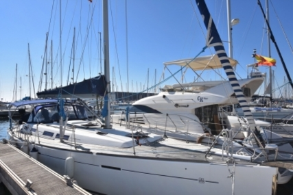 Dufour Yachts 425 Grand Large for sale in Spain for €145,000 (£127,713)