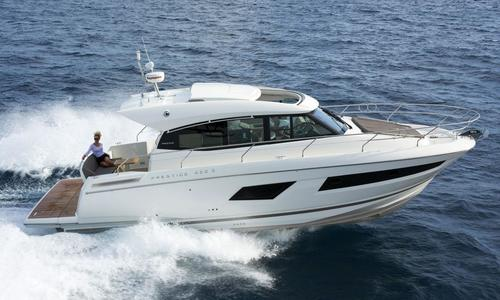 Image of Jeanneau 420S for sale in Taiwan for $540,000 (£424,005) Taipei, , Taiwan
