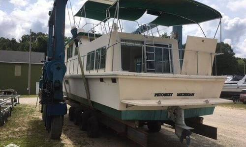 Image of Holiday Mansion Barracuda Aft Cabin 37 for sale in United States of America for $29,000 (£20,791) Grand Haven, Michigan, United States of America