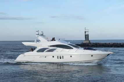 Azimut Yachts 55 Flybridge for sale in United States of America for $485,000 (£368,835)