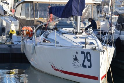 Jeanneau Sun Fast 3200 for sale in France for €110,000 (£95,396)
