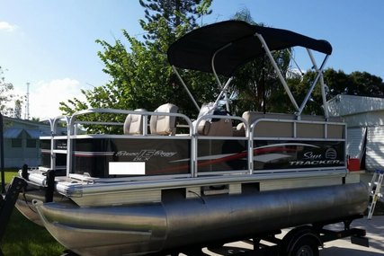 Sun Tracker Bass Buggy 16 DLX for sale in United States of America for $15,000 (£11,778)