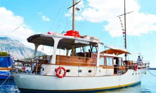 Image of Akerboom Lisse for sale in Greece for €450,000 (£388,048) Greece