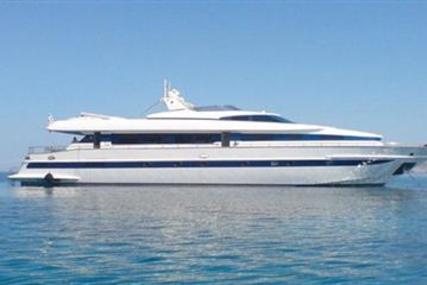Tecnomarine 90 for sale in Greece for €800,000 (£687,847)