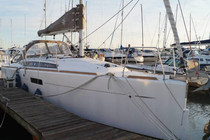 Jeanneau Sun Odyssey 349 Lift Keel for sale in United Kingdom for £104,999