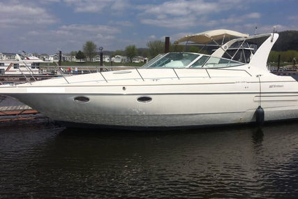 Cruisers Yachts 3570 Esprit for sale in United States of America for $39,900 (£32,118)