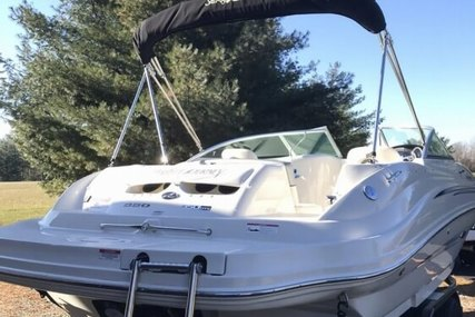 Sea Ray 220 SD for sale in United States of America for 38.900 $ (29.971 £)