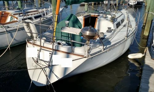 Image of C & C Yachts 34 for sale in United States of America for $25,000 (£18,070) Key Largo, Florida, United States of America
