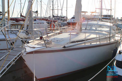 Amel Super Maramu Yacht for sale in Spain for €170,000 (£145,420)