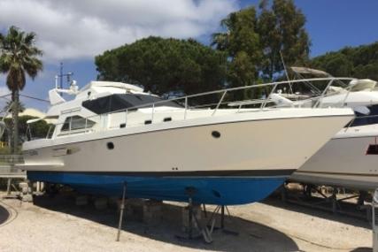 Couach 1401 for sale in France for €56,000 (£47,921)