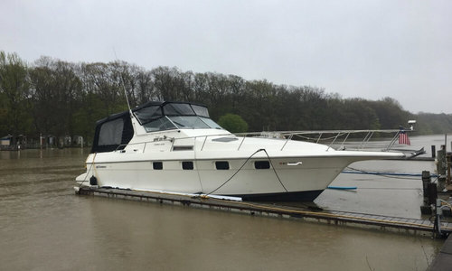 Image of Cruisers Yachts 3370 Esprit for sale in United States of America for $32,900 (£26,413) Rochester, New York, United States of America