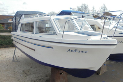 Viking Yachts 23 Narrow Beam 'Andiamo' for sale in United Kingdom for £13,995