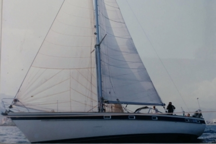 Hallberg-Rassy 42 for sale in Greece for €94,000 (£81,371)