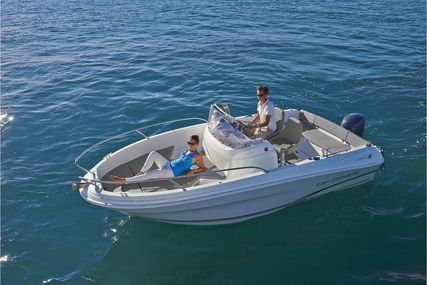 Jeanneau Cap Camarat 5.5 CC for sale in United Kingdom for £30,695