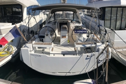 Beneteau Oceanis 35.1 for sale in France for €152,000 (£131,579)