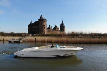 Chris-Craft Craft LAUNCH 32 for sale in Netherlands for €275,000 (£251,123)