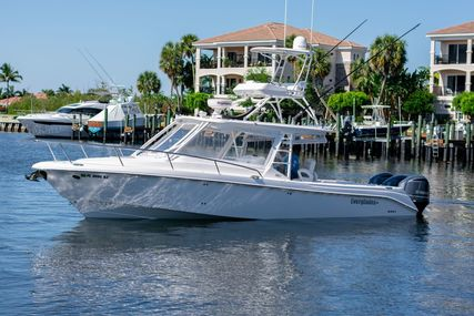 Everglades 350LX for sale in United States of America for $259,000 (£205,310)