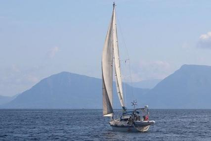 Westerly Oceanlord 41 for sale in Greece for £49,500