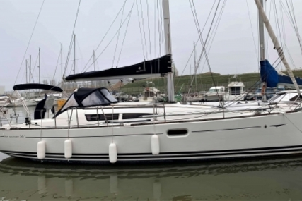 Jeanneau Sun Odyssey 36i for sale in France for €69,800 (£60,293)