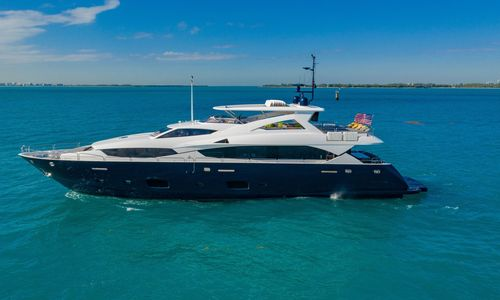 Image of Sunseeker 34M Yacht for sale in United States of America for $5,999,000 (£4,713,823) Sag Harbor, New York, United States of America