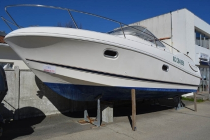 Jeanneau Leader 805 for sale in France for €35,000 (£30,288)