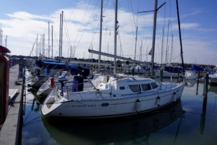 Jeanneau Sun Odyssey 40 DS for sale in Italy for €69,000 (£60,588)