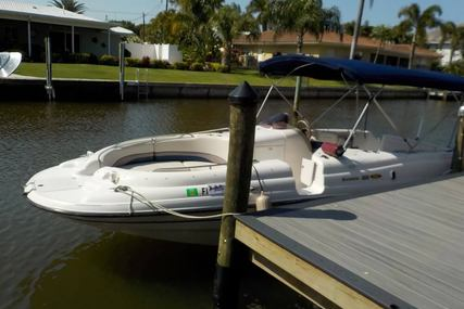 Chaparral 232 Sunesta for sale in United States of America for $13,000 (£10,208)