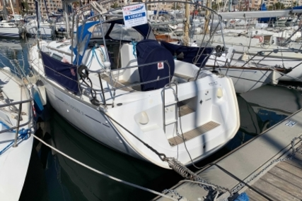 Jeanneau Sun Odyssey 35 for sale in France for €50,000 (£43,190)