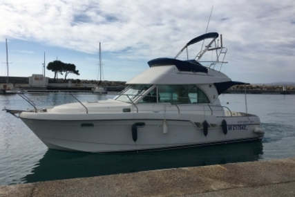 Beneteau Antares 9.80 for sale in France for €58,000 (£50,100)