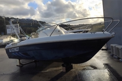Beneteau Flyer 550 Open for sale in France for €11,000 (£9,888)