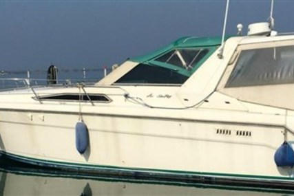 Sea Ray 370 Sundancer for sale in Italy for €35,000 (£30,680)