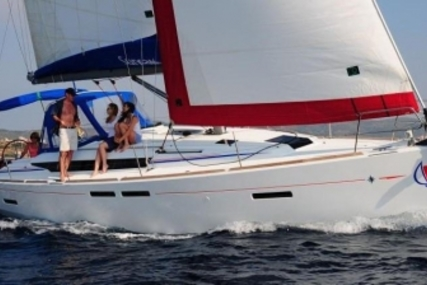 Jeanneau Sun Odyssey 409 for sale in Spain for €108,000 (£96,877)