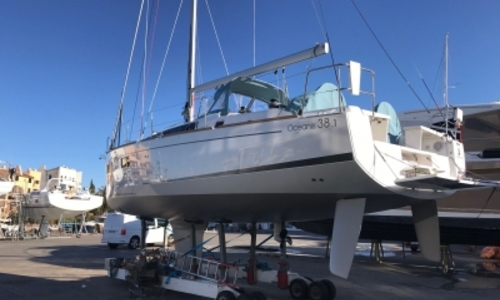 Image of Beneteau Oceanis 38.1 for sale in France for €219,000 (£189,806) GRIMAUD, France