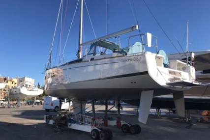Beneteau Oceanis 38.1 for sale in France for €219,000 (£189,806)