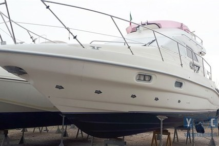 Sealine 330 Fly for sale in Italy for €70,000 (£60,504)